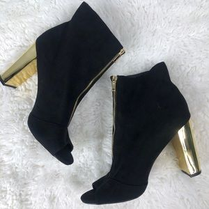 Wild Diva Black Gold High Heel Booties Size 10